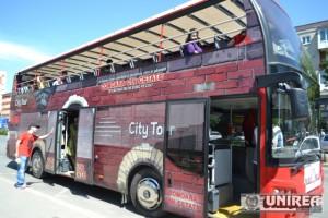 Personajele istorice de la Muzeul Unirii la plimbare cu autobuzul109