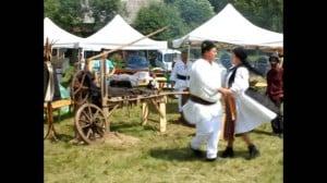 """FOTO-VIDEO: Comuna Ciugud a câştigat etapa finală a festivalului """"Cultură pentru Cultură"""", desfăşurată pe Muntele Găina. Premiu de 100.000 de lei pentru reabilitarea căminului cultural"""