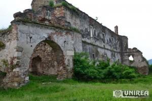 Ruine Castel Martinuzzi de la Vintu de Jos