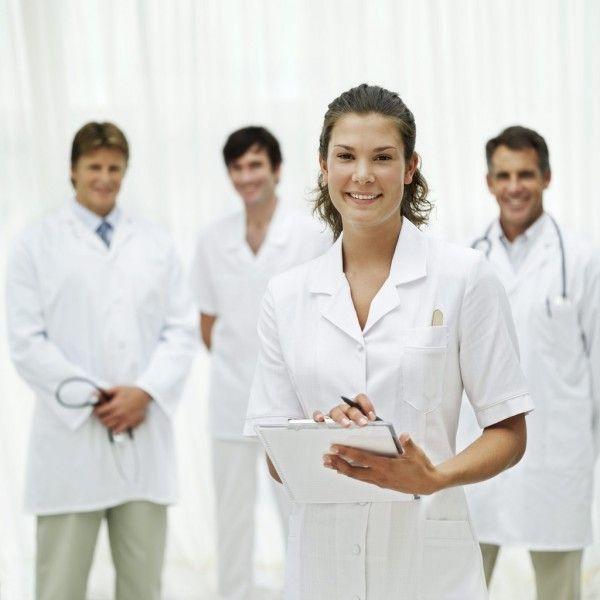 asistent-medical-600x600