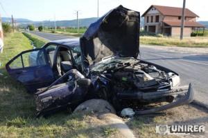 accident petresti cap de pod02