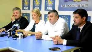 """Co-președintele PNL Alina Gorghiu: """"Reparațiile la autostrada electorală Sibiu-Orăștie ar trebui să fie plătite din fondurile de partid ale PSD"""""""