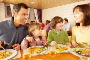 eticheta-si-bune-maniere-cu-copilul-la-restaurant
