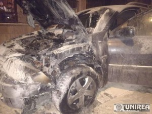 incendiu masina alba iulia04