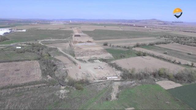 VIDEO: Filmare cu drona pe AUTOSTRADA Sebeș-Turda. Stadiul lucrărilor pe lotul II, între Alba Iulia și Aiud