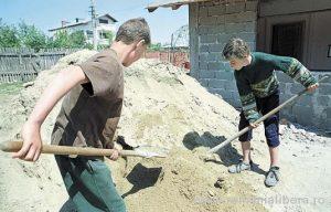 copii muncind