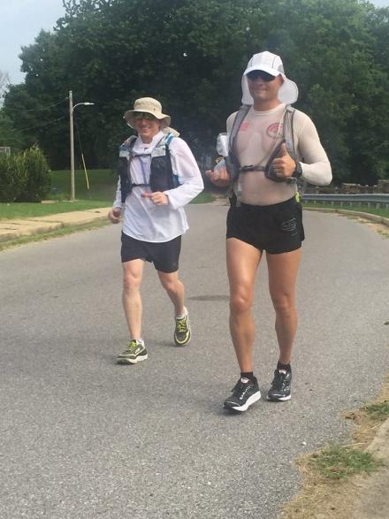 FOTO| Albaiulianul Andrei Nana a alergat 500 de kilometri la competiția Vol State 500 în Tennessee