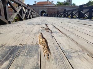 pod-de-lemn-cetate-alba-iulia001