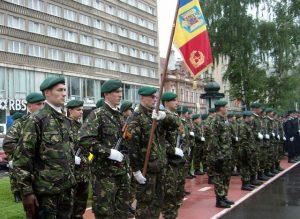 aspect_din_timpul_ceremoniei_militare_desfasurate_in_garnizoana_brasov-sized