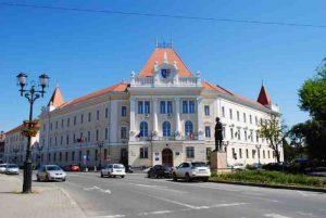 consiliul-judetean-alba-curtea-de-apel-alba-iulia-si-prefectura-alba-cladire