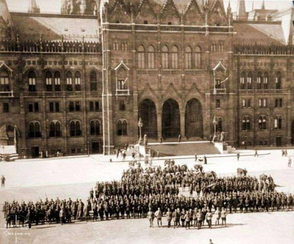 Imagini pentru 4 august 1919 ocuparii Budapestei.photos