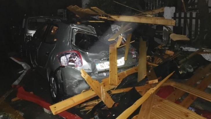 Mașini avariate pe domeniul public: Chiar dacă nu au CASCO, proprietarii pot primi bani pentru reparația lor