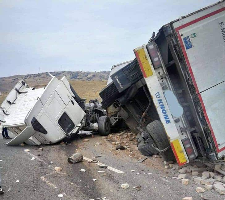 trafic devizt accident camion