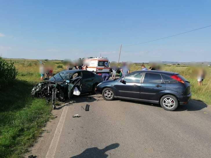 FOTO Accident auto cu patru victime în Sibiu. Traficul a fost blocat